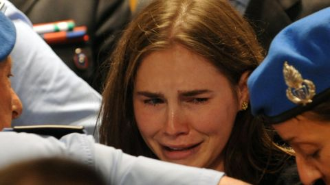 Amanda Knox reacts to the announcement of the acquitted verdict of her appeal trial at Perugia's court in 2010.