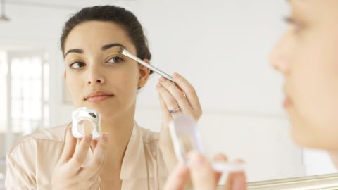Using oil-free makeup can keep you looking fresh all day.