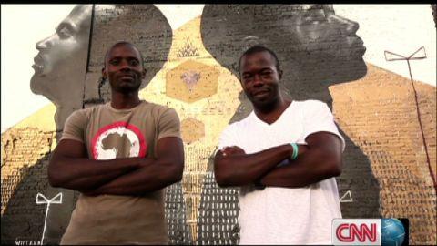 inside africa graffiti artist _00010306