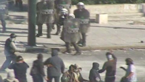 von greece strike clashes_00002720