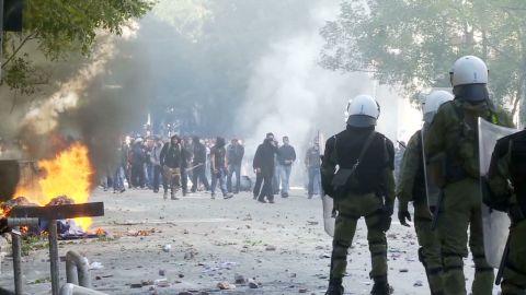 magnay greece riots_00000000