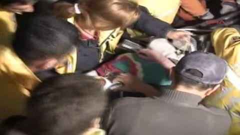 vo.turkey.woman.rescued_00002726