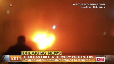 am oakland tear gas_00002025