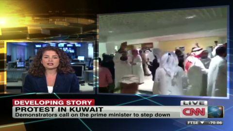 maktabi kuwait protest _00011109