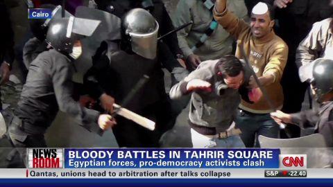 nr wedeman egypt tahrir clashes_00001605