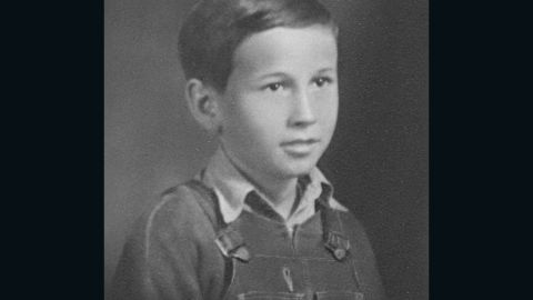 Fred Craddock in grade school, where he struggled to hide his poverty from classmates.
