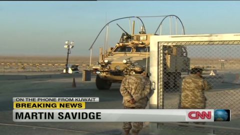 savidge traveling with troops iraq_00023325