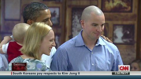 exp Obama Kissing Babies_00002001