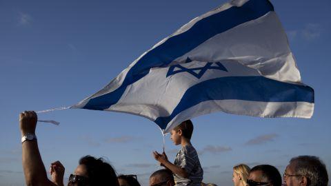 Some Israelis seek peaceful communication with Iranians using social media platforms.