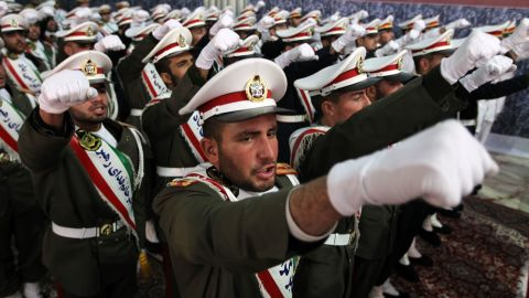 Iranian soldiers chant anti-Israeli and anti-US slogans in Tehran on February 1, 2012.