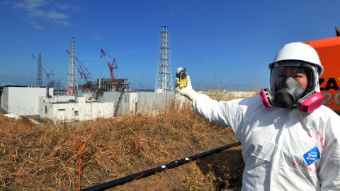 Kyung Lah checks radiation level at the Fukushima Dai-ichi nuclear power plant on February 28, 2012.