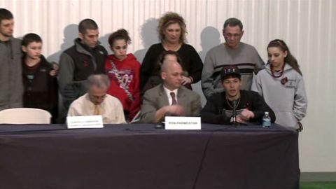 bts ohio chardon shooting victims families presser_00000000