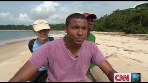 exp inside africa gabon leatherback turtles b_00054201
