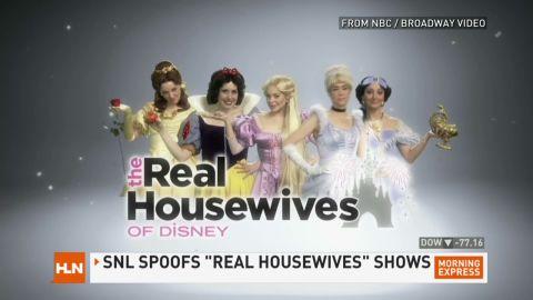 hn lohan snl disney housewives_00003220