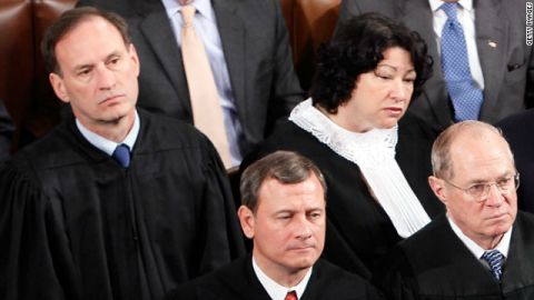 Justices Samuel Alito and Sonia Sotomayor, John Roberts and Justice Anthony Kennedy at the 2010 State of the Union.