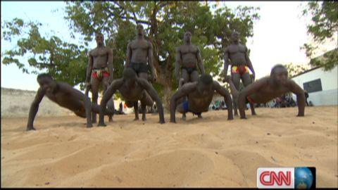 exp inside africa senegal wrestling a_00033401