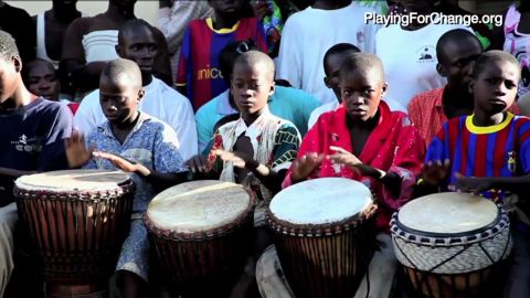 exp african voices playing for change c_00025901