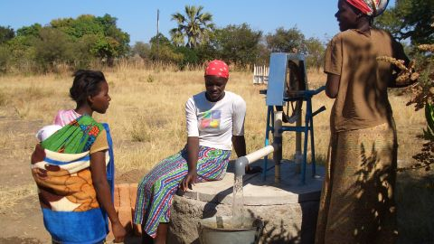 """There are now over 30.000 rope pumps in Africa and over 90.000 installed in Nicaragua according to <a href=""""http://www.connectinternational.nl/"""" target=""""_blank"""" target=""""_blank"""">Connect International</a>."""