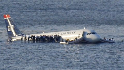 Capt. Sully Sullenberger says autopilot wasn't necessary for him to safely ditch in New York's Hudson River in 2009.