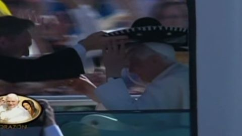 nr romo pope wears mexican sombrero_00002109