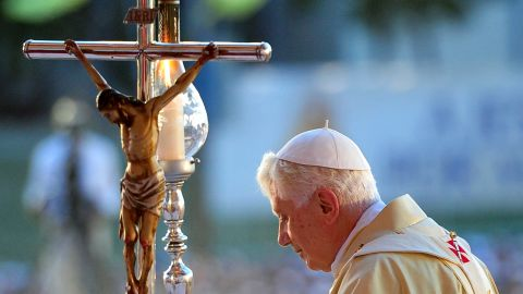 Pope Benedict XVI leads the holy mass at Antonio Maceo square in Santiago de Cuba on March 26, 2012