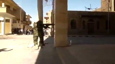 pkg damon iraq arming syria_00004618