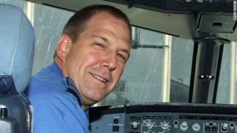 JetBlue pilot Capt. Clayton Osbon was said to have suffered a midflight mental health episode Tuesday