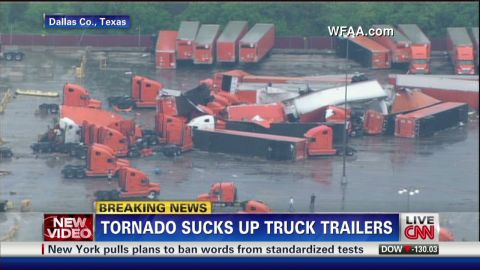 nr.tx.tornado.trailor.trucks.pileups_00001319