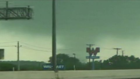 vos.tornado.funnel.cloud_00004915
