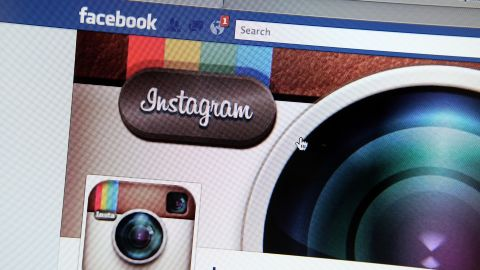 A FTC investigation threatens to postpone the closure of the Facebook Instagram deal.