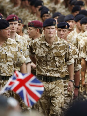 """Britain's Prince Harry is to travel to the United States to be presented with an award for """"distinguished humanitarian leadership"""" in recognition of his work with servicemen and women."""