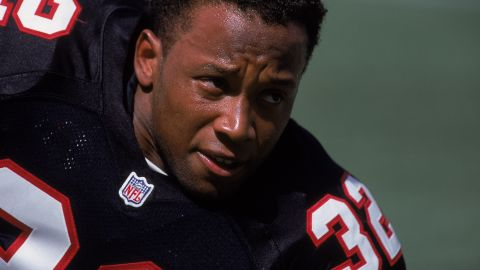 Atlanta Falcons player Jamal Anderson has added his name to a lawsuit against the NFL.
