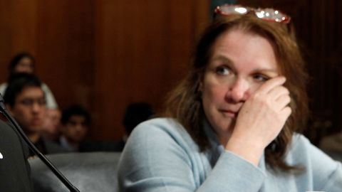 A former aide details a graphic confrontation between Elizabeth Edwards and husband John.