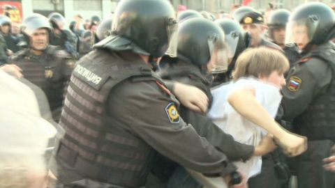 black moscow protests_00011111