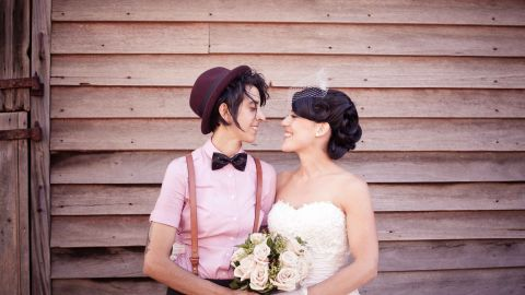 """Cushla wrote of the wedding: """"It was everything I could have dreamed for, topped off with blue skies, a pink sunset, and full moon."""" <a href=""""http://twobirdsnest.com/"""" target=""""_blank"""" target=""""_blank"""">Twobirdsnest.com</a>"""