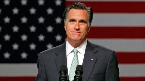 Julian Zelizer says Mitt Romney's big challenge is to strengthen his ties to the tea party without alienating centrist voters.