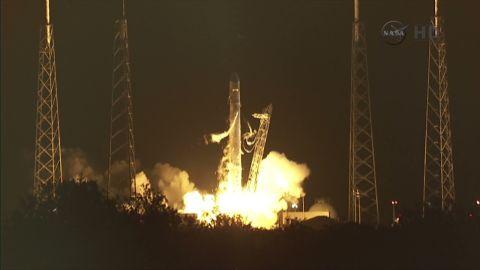 fl space x rocket launch_00000607
