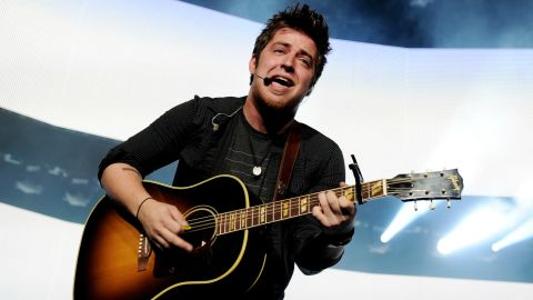 """Lee DeWyze had released two albums before auditioning for season 9 of """"American Idol."""" After his win, he went on to release a third album, """"Live It Up,"""" with RCA Records in 2010. But a year later, the record label dropped DeWyze when the album sold just over 146,000 copies. He has since married model Jonna Walsh, signed with a new label and <a href=""""http://www.billboard.com/articles/news/1560115/former-idol-champ-lee-dewyze-finds-silver-lining-new-album-coming"""" target=""""_blank"""" target=""""_blank"""">returned to """"Idol"""" to perform his song """"Silver Lining.""""</a> In 2014, <a href=""""http://www.hollywoodreporter.com/idol-worship/dead-man-singing-lee-dewyze-699083"""" target=""""_blank"""" target=""""_blank"""">he also wrote a song</a> for """"The Walking Dead"""" soundtrack."""