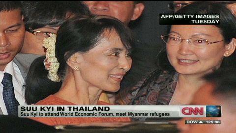wr suu kyi historic visit to thailand_00041411