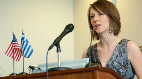 Elizabeth Gay, who donated her kidney to a stranger in Greece, speaks at a press conference.