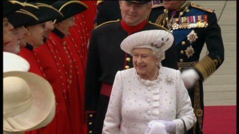 glass uk queen jubilee wrap_00002016