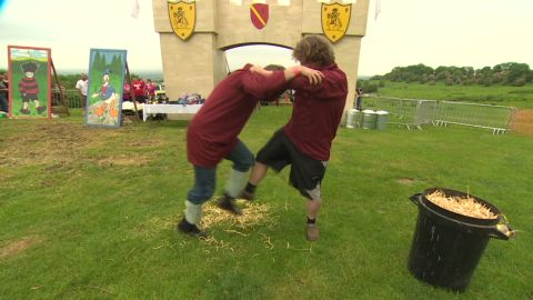 curry ancient shin kicking cotswold_00031016