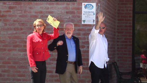 vo giffords voting in arizona_00000026