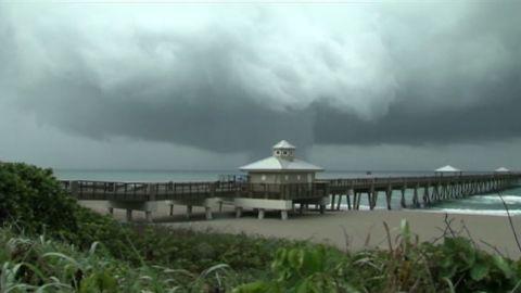 von florida waterspout juno beach_00001108