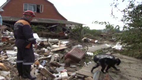 sweeney russia floods death toll rises_00011304