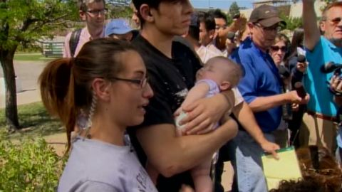bts Colorado Movie Shooting 4-month old baby_00005526