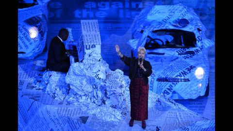 """Scottish singer-songwriter Emeli Sande performs """"Read All About It"""" during the closing ceremony at Olympic stadium."""