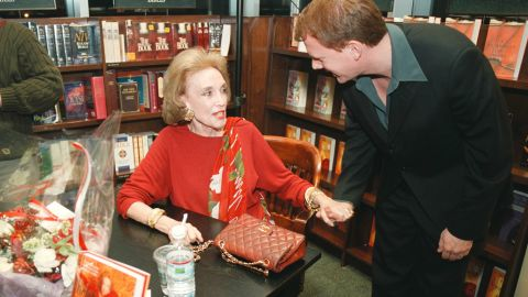 """In 2000, Gurley Brown attends a book signing to promote her book, """"I''m Wild Again,"""" at a Barnes & Noble in New York."""
