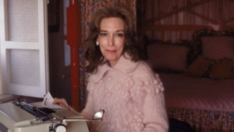 """Helen Gurley Brown in her New York apartment in 1979. The former editor-in-chief of Cosmopolitan magazine and author of """"Sex and the Single Girl"""" died on Monday, August 13. She was 90."""