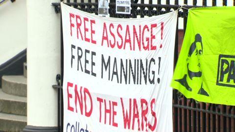 pkg.todd.assange.escape_00001908